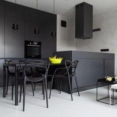Veja as melhores referências de cozinhas pretas e escuras para você se inspirar. São 89 fotos para conferir.