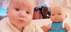 Δείτε δέκα απίστευτες φωτογραφίες μωρών που είναι ολόιδια με τις κούκλες τους και... θα μείνετε με στόμα ανοιχτό! Face, The Face, Faces, Facial