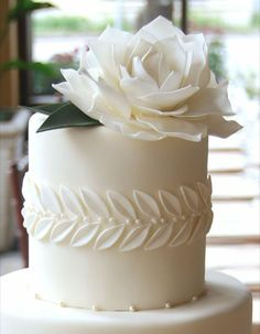 Elegance and simplicity crowned with an oversized gum paste rose by gateaux-inc. wedding cakes cakes elegant cakes rustic cakes simple cakes unique cakes with flowers Beautiful Wedding Cakes, Gorgeous Cakes, Pretty Cakes, Amazing Cakes, Petit Cake, Mini Wedding Cakes, Wedding Cupcakes, Bolo Cake, Wedding Cake Inspiration