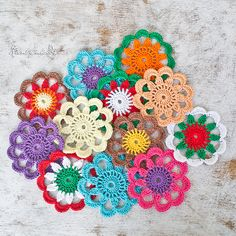NÁVOD - prostírka ve tvaru kytičky Blanket, Crochet, Pdf, Blankets, Knit Crochet, Crocheting, Comforter, Chrochet, Hooks
