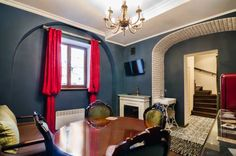 VIP Apartments na Krakivskiy Lviv Situated in Lviv, this apartment is a few steps from The Armenian Cathedral. The apartment is 100 metres from The Palace of Armenian Archbishops. Free WiFi is featured throughout the property.  A flat-screen TV is available.