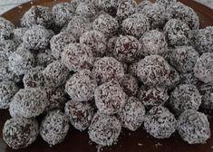Kokosové rumové kuličky podle Kluků v akci recept - TopRecepty.cz Christmas Sweets, Christmas Cookies, Sweet And Salty, Blueberry, Herbs, Baking, Fruit, Recipes, Food