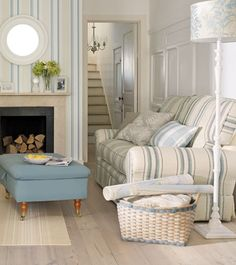 Amazing Coastal Living Room Decor Ideas - Page 40 of 80 Cottage Living Rooms, Coastal Living Rooms, Cottage Interiors, Living Room Decor, French Cottage, Cottage Style, Coastal Cottage, Coastal Farmhouse, Blue And Cream Living Room