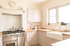 Kitchen Worktop, Kitchen Units, Ikea Kitchen, Kitchen Cabinets, Kitchen Decor, Budget Kitchen Remodel, Kitchen On A Budget, Open Plan Kitchen, Kitchen Ideas