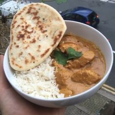 Try my #leanin15 chicken Korma  #NawtyRuby @lucybeecoconut oil Half an onion…