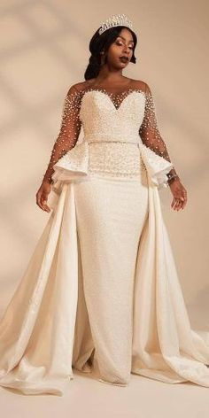 Wedding Gown - We have selected beautiful plus-size wedding dresses. These dresses have excellent design. Find the dress of your dreams and be the most attractive bride. Plus Size Brides, Plus Size Wedding Gowns, Best Wedding Dresses, Plus Size Dresses, Bridal Dresses, Bridesmaid Dresses, Lace Wedding, Post Wedding, Dream Wedding