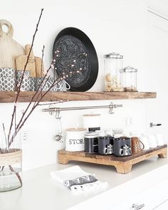 Ideas To Decorate Kitchen Walls is totally important for your home. Whether you pick the Painting Colors For Kitchen Walls or Decor Top Of Kitchen Cabinets, you will make the best Kitchen Wall Decor Ideas for your own life. Boho Kitchen, Home Decor Kitchen, Kitchen Styling, Home Kitchens, Kitchen Design, Home Interior, Interior Design Living Room, Kitchen Soffit, Kitchen Walls