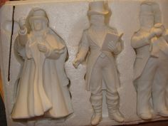 NEW Dept 56 RETIRED Winter Silhouette Carolers Set of 4 with Instruments 77747