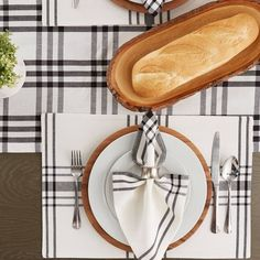 HOME SWEET HOME RUSTIC WOOD PANEL LOOK 4-PC TABLE PLACEMAT SET AND//OR RUNNER