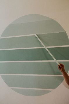 DIY wall painting ombre circle with painters tape. Mural Ideas | Bathroom Painting Ideas | Room Painting Ideas Bedroom | Wall Decor and Painting #wallpaintingdesigns #wallart #wallmuralspainted #painting #walldecorideas