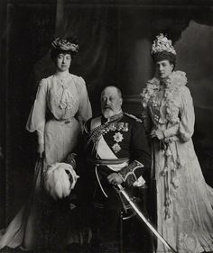 King Edward VII, Queen Consort Alexandra and their daughter Princess Victoria ( queen victoria )   britain
