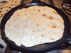 Piadine di riso per celiachi Flat Pan, Italy Food, Cornbread, Mashed Potatoes, Food And Drink, Gluten Free, Dishes, Cooking, Ethnic Recipes