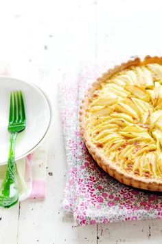 confectionerybliss:  Apple Tart {Gluten Free} With Coconut Milk And Lime • La Tartine Gourmande