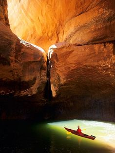 Kayak the Slots in Lake Powell
