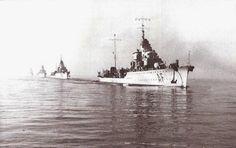 IX Squadriglia CT R.C.T. Vittorio Alfieri R.C.T. Alfredo Oriani R.C.T. Giosuè Carducci R.C.T. Vincenzo Gioberti In linea di fila,Taranto 1940