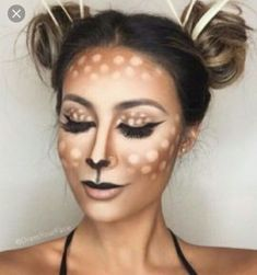 Looking for for ideas for your Halloween make-up? Browse around this website for creepy Halloween makeup looks. Creepy Halloween Makeup, Halloween Looks, Easy Halloween, Couple Halloween, Pretty Halloween Costumes, Halloween Parties, Halloween Night, Halloween Decorations, Karneval Diy