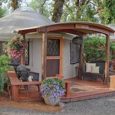 20' Yurt With Porch Cover