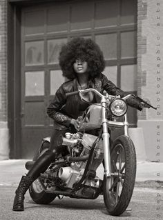 Motorcycle Girl 063 Foxy Lady ~ Return of the Cafe Racers. loving the afro on the bike! afro, black and white photo, Ducati Monster, Harley Davidson, Lady Biker, Biker Girl, Cafe Racer Mexico, Style Moto, Chicks On Bikes, Motorcycle Style, Motorcycle Fashion