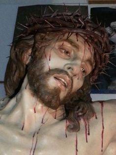 EL CRISTO DE LA MISERICORDIA de José M.Ruiz Montes (Christ of Mercy, sculpture by Jose Maria Ruiz Montes in Malaga Spain)