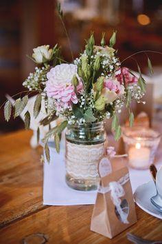 Blumendekoration und Gastgeschenk Hochzeit Vintage