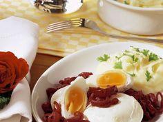 Verlorene Eier mit Zwiebeln ist ein Rezept mit frischen Zutaten aus der Kategorie Pochierte Eier. Probieren Sie dieses und weitere Rezepte von EAT SMARTER!                                                                                                                                                                                 Mehr