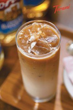 Salted Caramel Syrup Recipe, Caramel Iced Coffee Recipe, Coffee Drink Recipes, Caramel Recipes, Coffee Drinks, Sugar Free Iced Coffee, Irish Cream Coffee, Sugar Free Syrup, Syrup Recipes