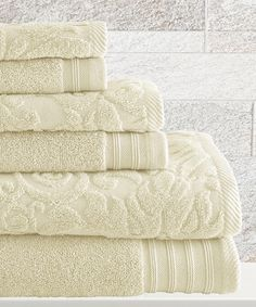Colonial Home Textiles Ivory Jacquard Leaf Swirl Towel Set   zulily