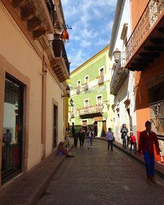 Uno de tantos callejones de Guanajuato Capital. #guanajuato #mexico (en Guanajuato, Guanajuato, MÉXICO)