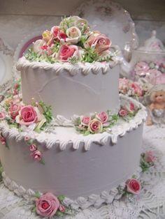 Faux wedding cake