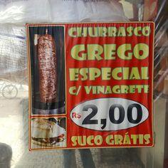11 February 2017 (12:40) / Churrasco Grego Seller, Paissandú Square, São Paulo City.