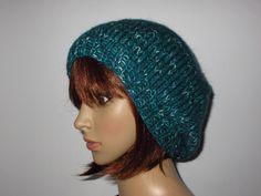 Beanie, Fashion, Headboard Cover, Knitting And Crocheting, Threading, Moda, Fashion Styles, Beanies, Fashion Illustrations