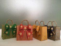 ダイソーでもok!折り紙で『ミニ紙袋』を手作りしよう!作り方と作品集 | WEBOO[ウィーブー] 暮らしをつくる。