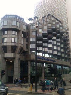 Cubism on the Edgware Road Cubism, Multi Story Building, Architecture, Arquitetura, Architecture Illustrations, Architecture Design, Architects