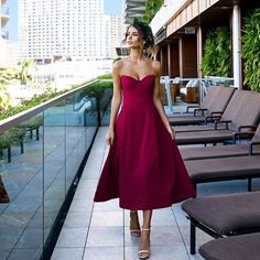 Stunning Aussie model @reneeherbert_ wearing our upcoming arrival the Crimson dress from @ellezeitounedesigns available early December from our online store and Brentwood studio #finiquelondon #reddress #ellezeitoune #xmaspartydress