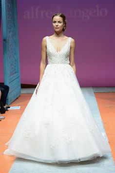 2016 Sapphire by Alfred Angelo Collection
