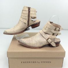 Freebird-By-Steven-Lithium-White-Boot-9-M-Distressed-Snake-Embossed-Leather