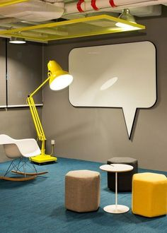 Good Ideas Corporate Office Design Make Happy Worker - Unternehmenszentrale Dekor Cool Office Space, Office Space Design, Modern Office Design, Office Furniture Design, Workspace Design, Office Workspace, Office Interior Design, Office Interiors, Office Designs