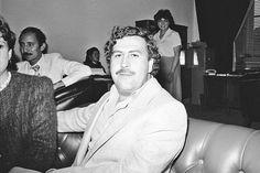 Pablo Escobar Pablo Emilio Escobar, Pablo Escobar, Narcos Escobar, Mafia, Military Insignia, My Photos, Couple Photos, Vintage Postcards, Lord