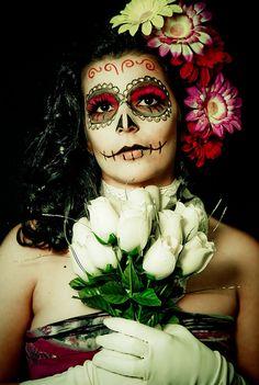 día de los muertos by Lili da Rocha Day Of The Dead Girl, Day Of The Dead Skull, Day Of The Innocents, Halloween Make Up, Halloween Face Makeup, Sugar Skull Makeup, Sugar Skulls, Mexican Holiday, Skull Face