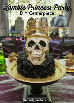 How to create a Zombie Princess Party Skull Centerpiece by The Party Teacher Halloween Birthday, Birthday Fun, Halloween Kids, Princess Party Centerpieces, Diy Party, Party Ideas, Zombie Princess, Teacher Party, Bloody Halloween