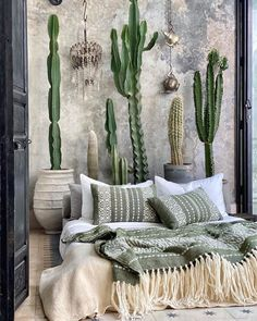 Exterior Design, Interior And Exterior, Green Bedding, Getting Out Of Bed, Estilo Boho, House Goals, Marrakech, Home Projects, Home Accessories