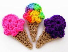 Crochet ice cream cones, would be a cute add-on to a baby blanket or onesie Crochet Food, Love Crochet, Crochet Gifts, Crochet Flowers, Crochet Fruit, Appliques Au Crochet, Crochet Motif, Knit Crochet, Yarn Projects