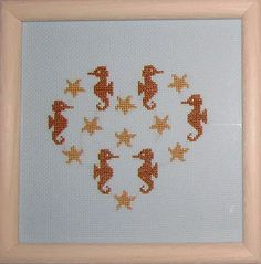 Cross Stitch: heart with seahorses and starfishes. Freebie by Kissy-Cross.