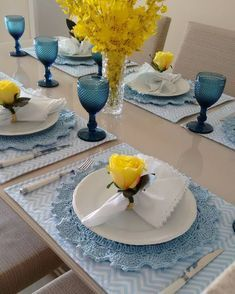 168 Likes, 6 Comments - Mae & Filha Mesa Decor ( on Instagra. Napkin Folding, Dinning Table, Easter Table, Table Arrangements, Deco Table, Table Runners, Tablescapes, Dinnerware, Napkins