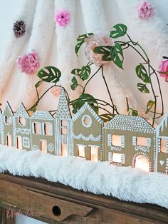 Easy DIY to make a Christmas gingerbread village with cardboard diy christmas crafts houses ideas cardboard kids easy gingerbread decorations paper village 215821007132740428 Gingerbread Village, Christmas Gingerbread, Noel Christmas, Simple Christmas, Winter Christmas, Christmas Gifts, Christmas Decorations, Gingerbread Decorations, Christmas Ornaments