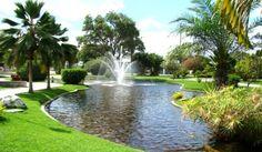 Resultado de imagem para lago artificial em praça