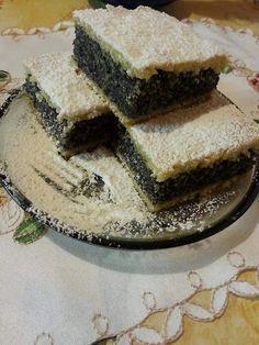 A finom házias ízeknek senki sem tud ellenállni. Mikor valami csodás finomsággal lepnéd meg a szeretteid, próbáld ki ezt a receptet, rajonganak majd érte! Hozzávalók Tészta hozzávalók: 30 dkg liszt, 12 dkg zsír, 2 evőkanál tejföl, csipet só, Töltelék hozzávalói: … Egy kattintás ide a folytatáshoz.... → Hungarian Desserts, Hungarian Cake, Hungarian Recipes, Poppy Cake, Sweet Cakes, Cakes And More, Cake Cookies, Cake Recipes, Bakery