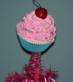 "FAKE CUPCAKE CREATIONS ORIGINAL CHRISTMAS DESIGN ""FAKE CUPCAKE TREE TOPPER"" #FakeCupcakeCreations"