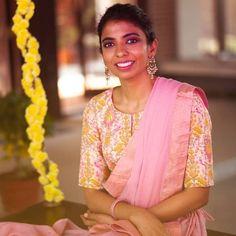Indian Sarees, Silk Sarees, Flan Recipe, Saree Blouse, Blouse Designs, Yards, Blouses, Celebrities, Clothing