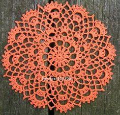 Ravelry: Crowns Surround pattern by Cille Heckenbach (free - crochet) Art Au Crochet, Crochet Home, Thread Crochet, Filet Crochet, Crochet Crafts, Crochet Projects, Free Crochet Doily Patterns, Crochet Squares, Crochet Motif